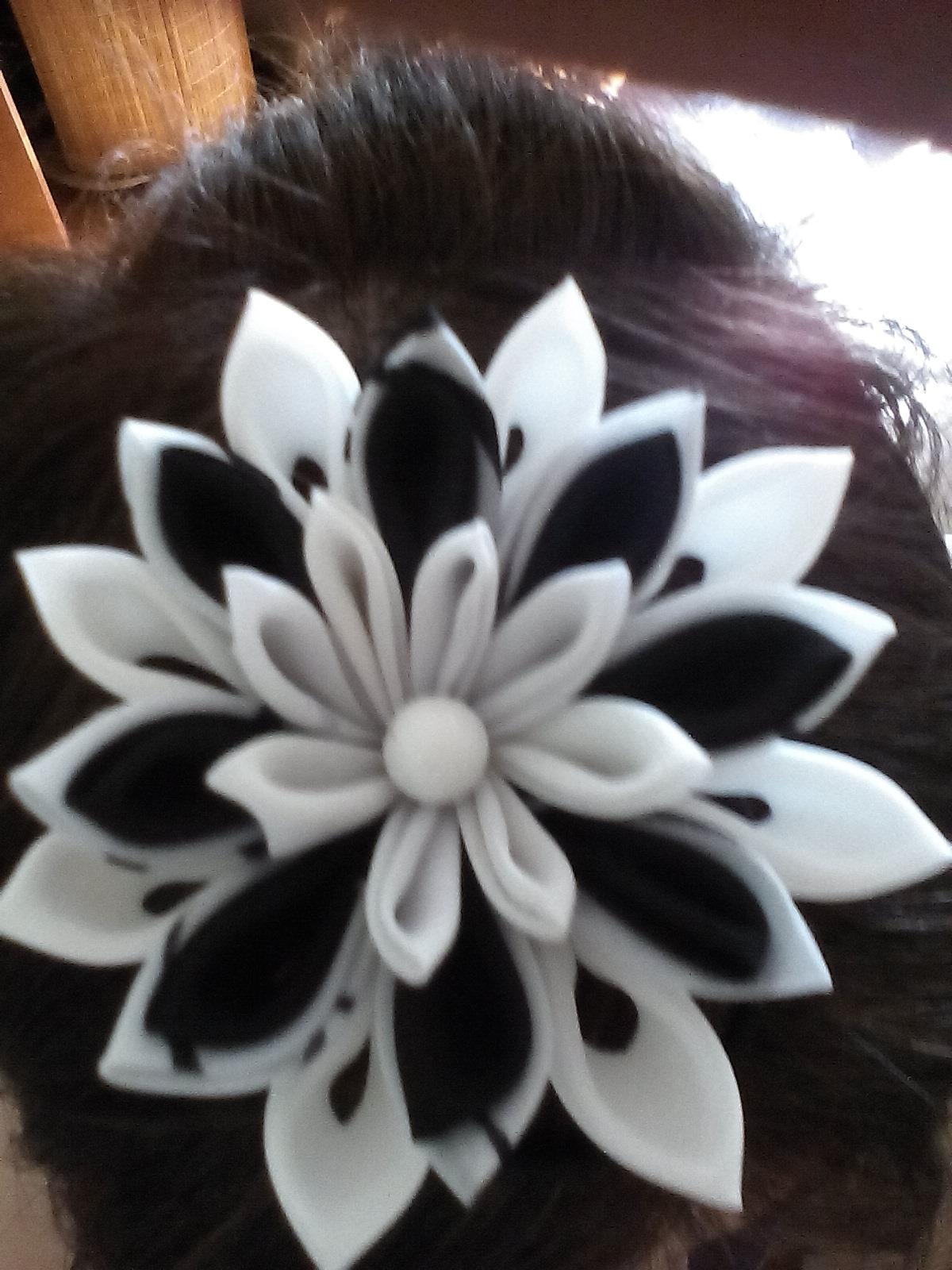 цветы из ткани для украшения волос